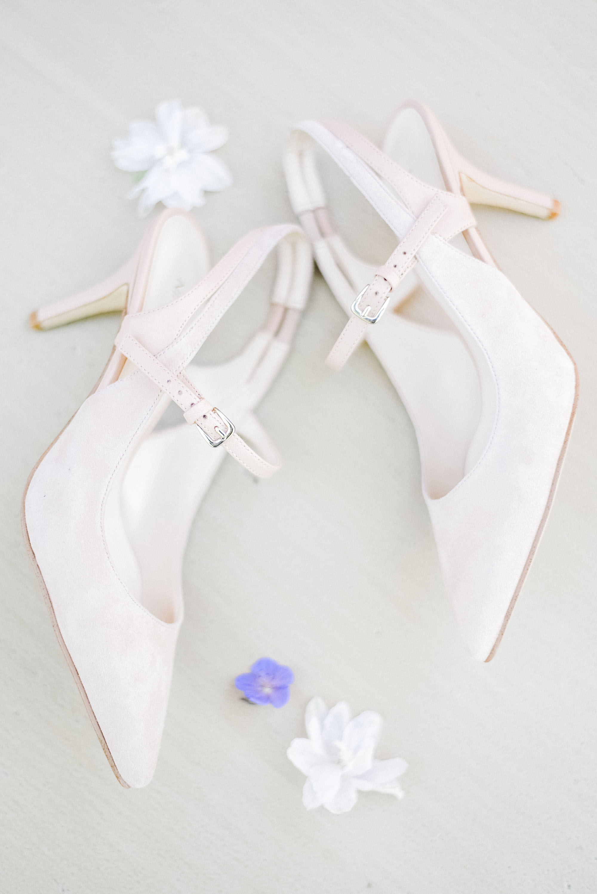 Detailed_Shoe_Shot_Bridal_Shoes_Pink_Verveine_Studios